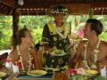 A la table de la pension Papahani, sur l'île de Maupiti, îles Sous-le-Vent